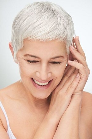 SHORT-HAIRSTYLES-FOR-OLDER-WOMEN, TOP HAIRDRESSERS IN SHAW, OLDHAM