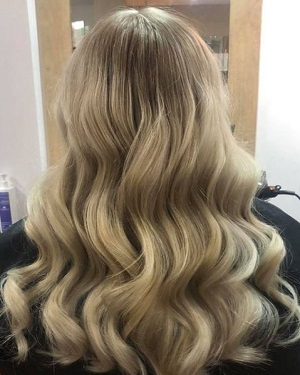 Blonde-highlights-at-best-hair-colour-salon-in-Rochdale-Greater-Manchester