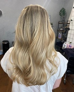 blonde-highlights-at-darren-michael-hairdressers-in-oldham-manchester